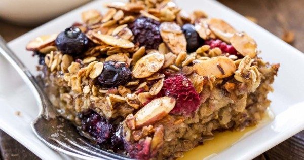 Cinnamon Apple Berry Baked Granola