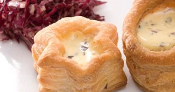 Vol au vent with radicchio and fondue