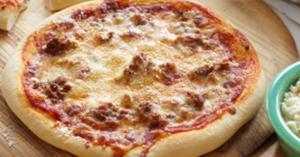 Cheesy Hamburger Pizza