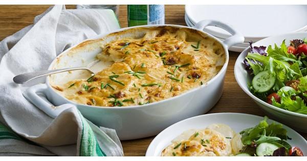 Creamy Cheese and Garlic Potato Bake
