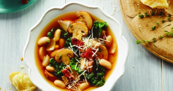 Tuscan Kale and White Bean with Mushrooms Soup