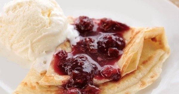 Crepes with Strawberry and Fig and Balsamic Sauce