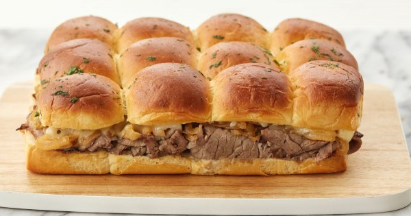 Roast Beef Sliders with Caramelized Onions