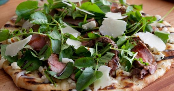 Pizza with NY Strip, Blue Cheese and Balsamic Glaze