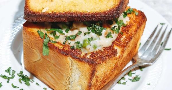 Bread Bowl Chicken Pot Pie (Coffin Bread)