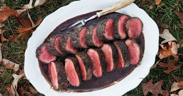Spice-Rubbed Venison Loin with Red Wine Sauce