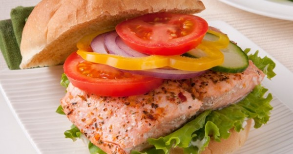 Easy Salmon Fillet Burgers