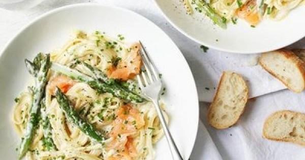 Smoked Salmon and Asparagus Linguine