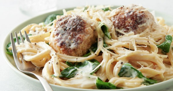 Instant Pot™ Spaghetti and Meatballs Florentine