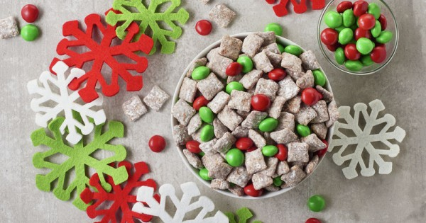 Holiday Muddy Buddy Chex Mix