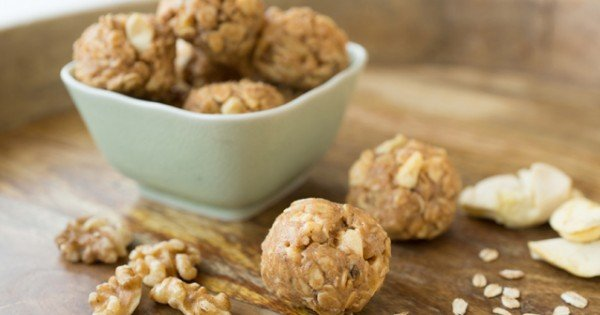 """Apple Crisp"" Peanut Butter Snack Bites"
