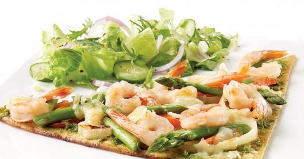 Pesto and shrimp pizza