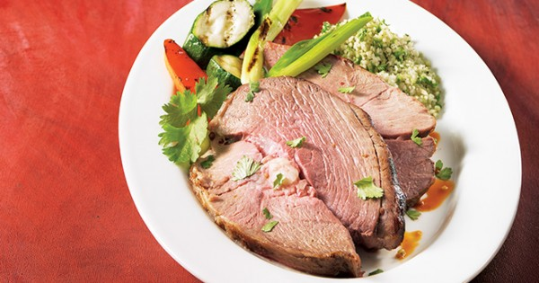 Leg of lamb with sundried tomatoes