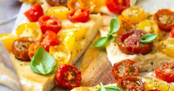 Heirloom Tomato Vegan Pizza